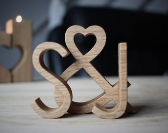 Unique engagement gift for couple - Personalised wood wedding gift - Style: Modern & Minimalist