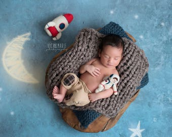 Needle Felted Astronaut Stuffies; Felted Rocket; MADE TO ORDER; hand felted; newborn photography props; Nasa Stuffed Toy; Space Photo Props