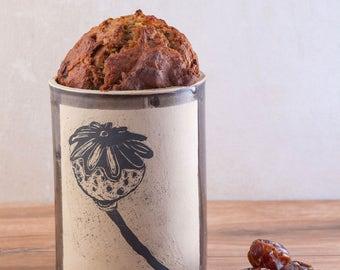 Ceramic Cake/Bread Baking Vessel With Floral Details