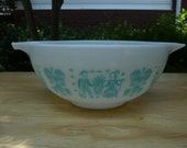 Pyrex Cinderella Bowl , Amish Butterprint , Turquoise design