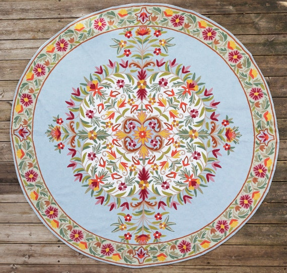 6 ft blue grey round rug. Hand knotted wool rug. Beautiful art deco rug,  perfect for kids rug, a round kitchen rug or as entryway rugs.