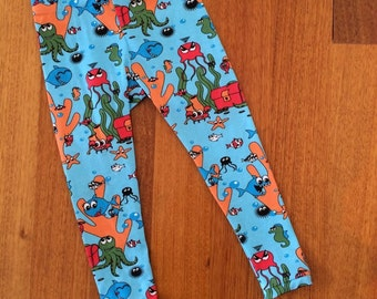 779a8f3144f18 Children's tights / leggings with fishy print