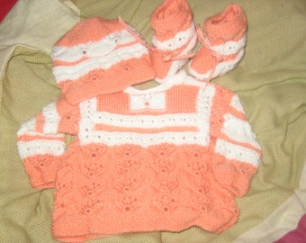 Top hat set its woolen slippers handmade white peach