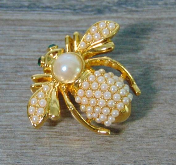 Joan Rivers Pearl June BIRTHSTONE BEE PIN Brooch P