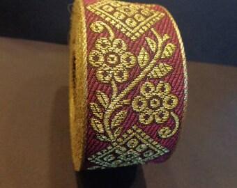 Ribbon Sari Border 1 meter red cotton gold embroideries 37 mm India