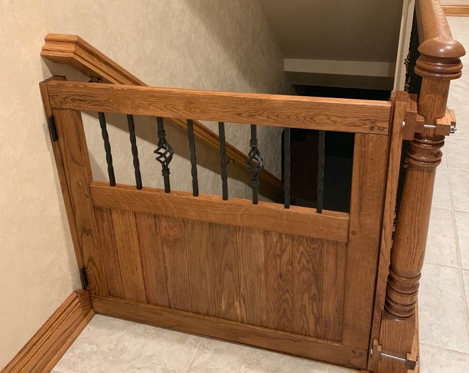 Baby Gate with Baskets and Twists