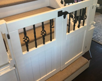 Painted Double Door Gate with Baskets and Twists