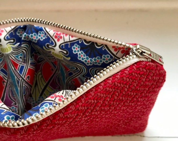 Red- pink pouch