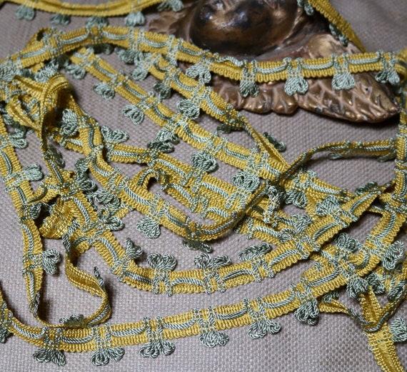 "UNUSED Vintage Antique French Gold Metallic Trim 5//16/"" Military Lace"