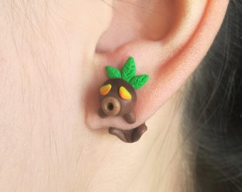 Deku earring, inspired in The Legend of Zelda.