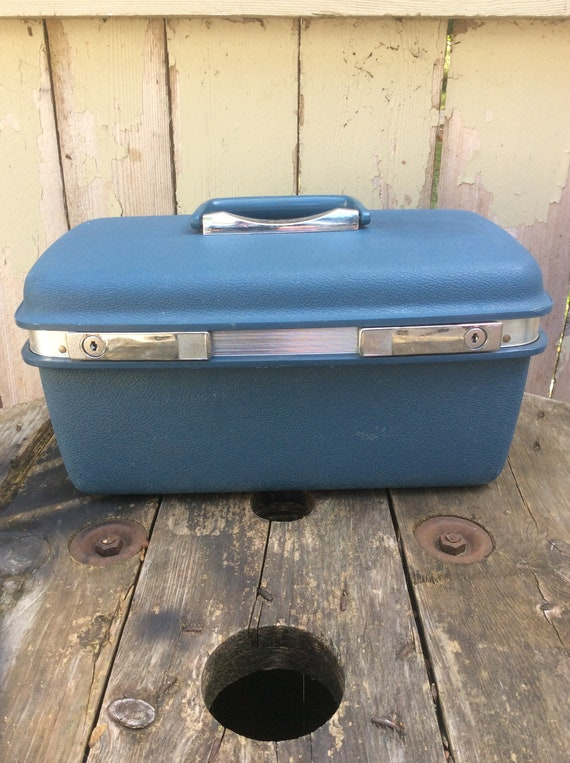 Vintage Aspen JC Penney Light Blue Train Case