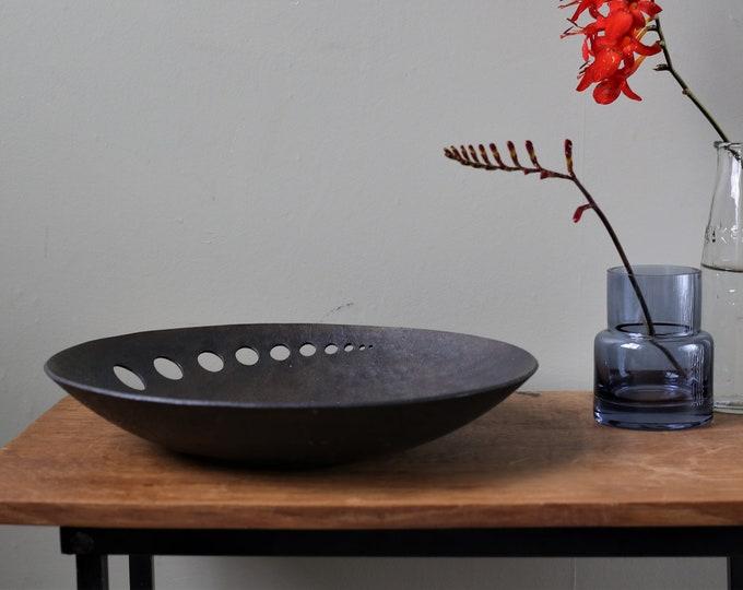 Decorative Iron bowl with contemporary design