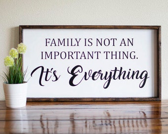 Family is everything sign, Family is everything wood sign, Family is everything frame,  Farmhouse decor, family sign