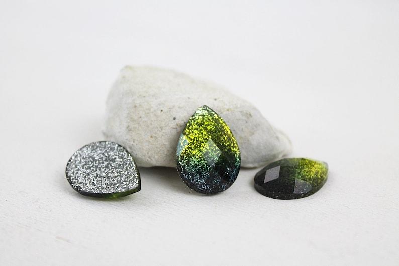 drops cabochons 13 mm x 18 mm green 10 pieces
