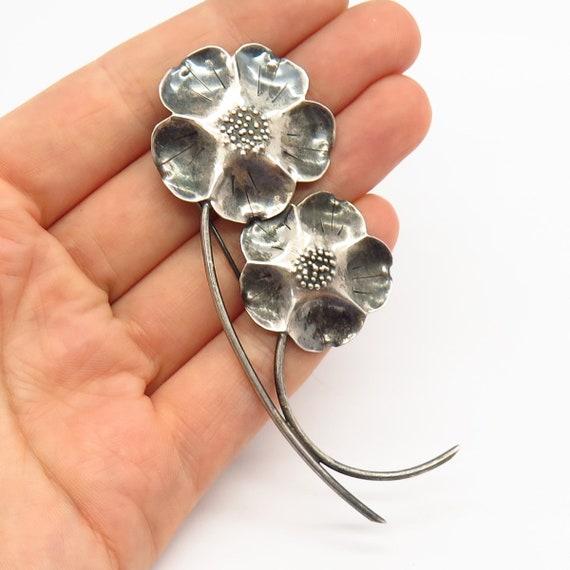 Sterling silver handmade earrings solid 925 silver flower screw on earrings 300196 stamped Sterling NYE Vintage