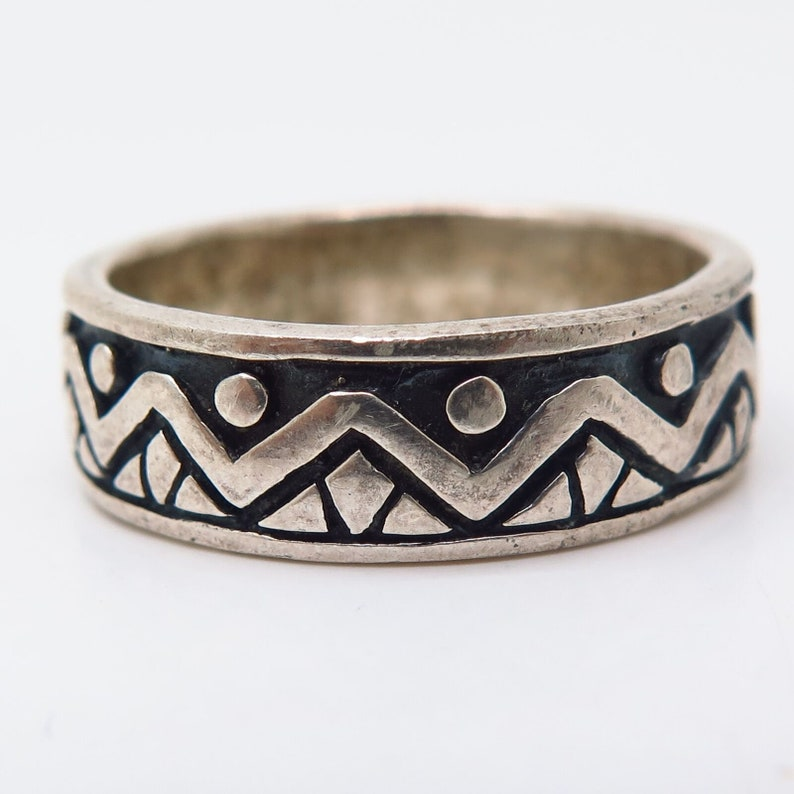 925 Sterling Silver Vintage Tribal Pattern Band Ring Size 10