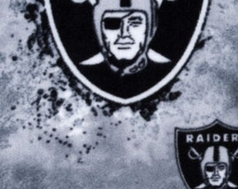 Oakland Raiders Fleece Handcrafted Blanket Sets