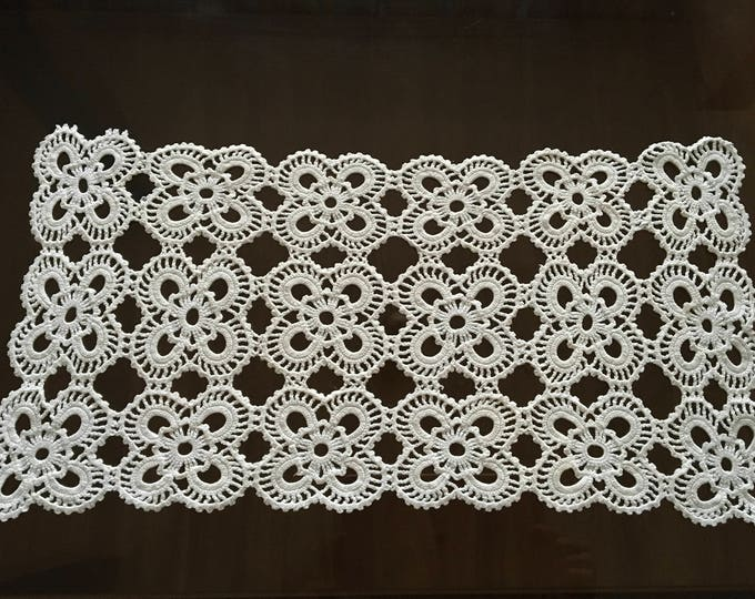 Vintage Lace Doily Crochet Handmade White table cloth doilies runner Table Decorations Gift for Mothers day Tablecloth Coffee Table Setting