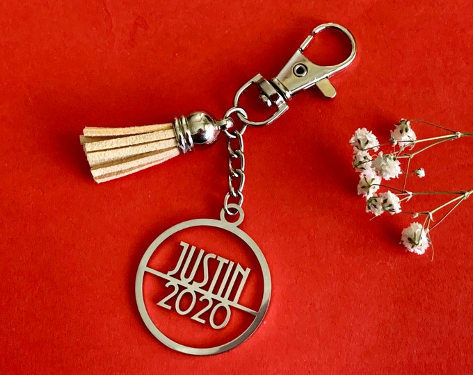 Personalized 2020 Name Keychain Customized Keyring with Tassel Handmade Metal Birthday Gift Stainless Steel Custom Year Graduation Keychain