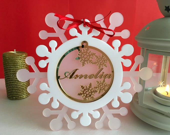 Personalized Christmas Name Ornaments Xmas Gift Christmas Present Custom Name Ornament Frosted White Snowflakes Laser Cut Acrylic Tree Decor