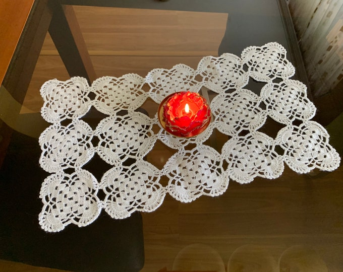 Handmade doily Hand crocheted White table cloth Small doilies Vintage lace table runner Home decor Gift for Mom Tablecloth Table centerpiece
