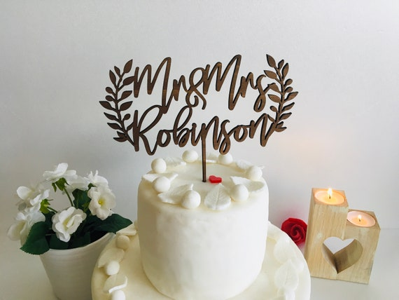 Mr and Mrs Cake Topper Personalized Laurel Wreath Last Name Wedding Surname Toppers Wood Calligraphy Rustic Custom Boho Bridal Shower Decor