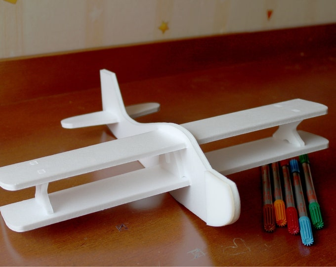 DIY Painting Kit Airplane toy Handmade air plane Biplanes Perfect entertainment for your party Birthday party decorations Set of 10 planes