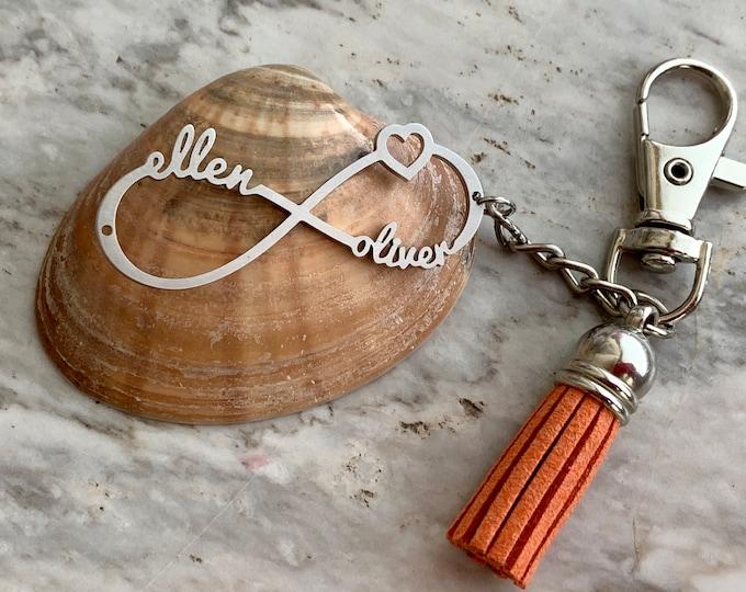 Personalized Love Heart Infinity Keychain Custom Names Infinity Symbol Keyring for Women Valentine's Gift Anniversary Wedding Silver Pendant