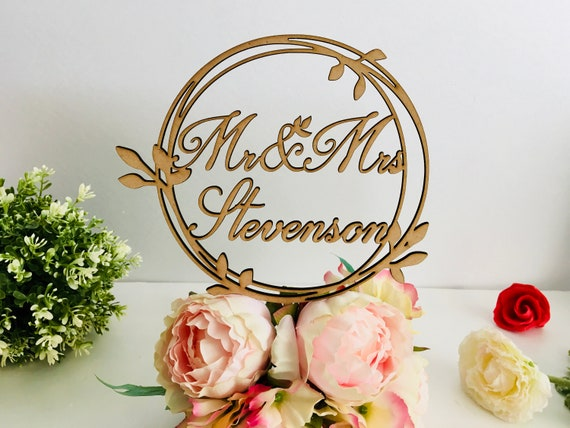 Personalized Wedding Laurel Wreath Cake Topper Last Family Name Mr and Mrs Monogram Round Cake Toppers on Sticks Wood Rustic Acrylic Decor