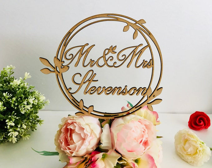 Personalized Wedding Laurel Wreath Cake Topper Last Family Name Mr and Mrs Monogram Circle Cake Toppers on Sticks Wood Rustic Acrylic Decor