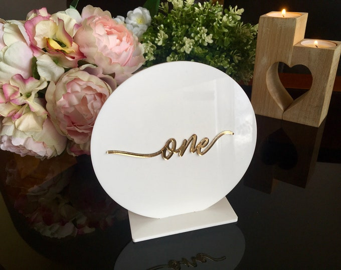 Wedding Table Numbers Handmade White Acrylic Signs Laser Cut Calligraphy Numbers Circle Centerpieces Freestanding Reception Decor Plexiglass