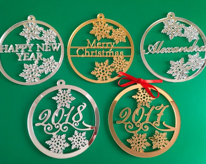 Personalized Christmas Bauble 2021 Xmas Name Ornament Customized Family Gift Tag Merry Christmas Happy New Year 2022 Holiday Home Decoration