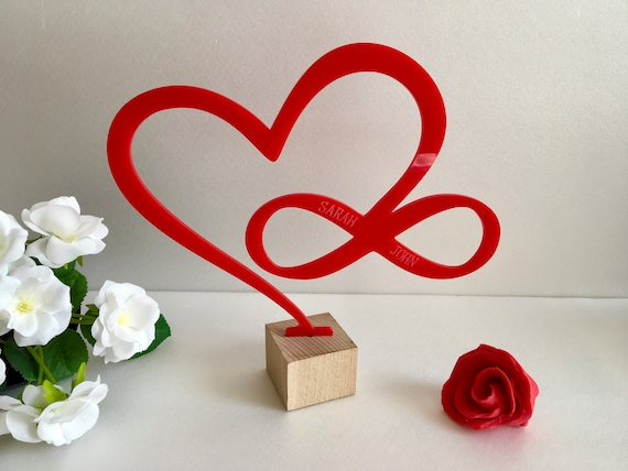 Laser Cut Love Infinity Heart on Wood Stand with Engraved Couple Names Personalized Custom Family Name Acrylic Sign Valentine Wedding Gifts