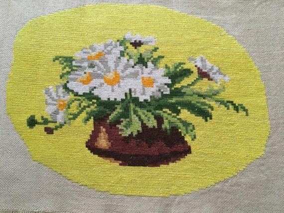 Original Wiehler Handmade Small Gobelin Tapestry Marguerites Daisy Flowers DMC Embroidery Vintage Hand Embroidered Needlepoint Unframed