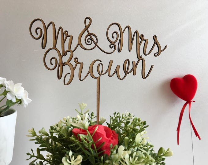 Wedding cake topper, Mr & Mrs Rustic wood wedding decoration Personalized calligraphy wooden cake topper Last name cupcake Bride and Groom
