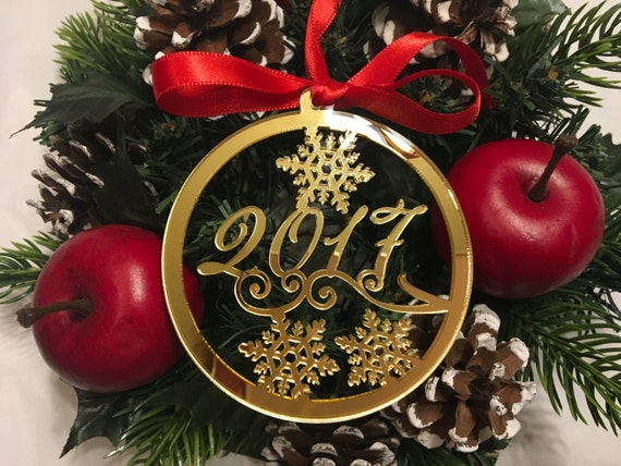 Christmas 2018 Milestone 2019 New Year's Eve Personalized gift Personalised gold baubles Tree decorations Christmas ornament Xmas bauble