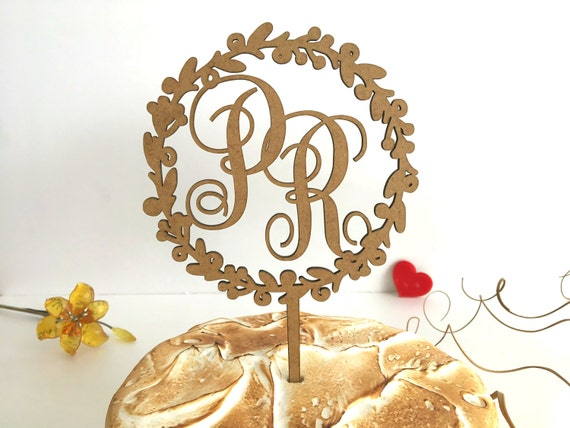 Wreath wedding cake topper Monogram cake topper Custom Initial wood cake topper Custom Engaged Bridal party decor Floral wreath Personalised