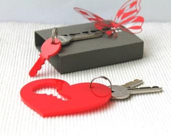 Les couples trousseau ensemble rouge coeur cadeau pour son Laser couper clé cadeau acrylique porte clé Puzzle boîte fait à la main de Saint Valentin pour lui clé à mon coeur