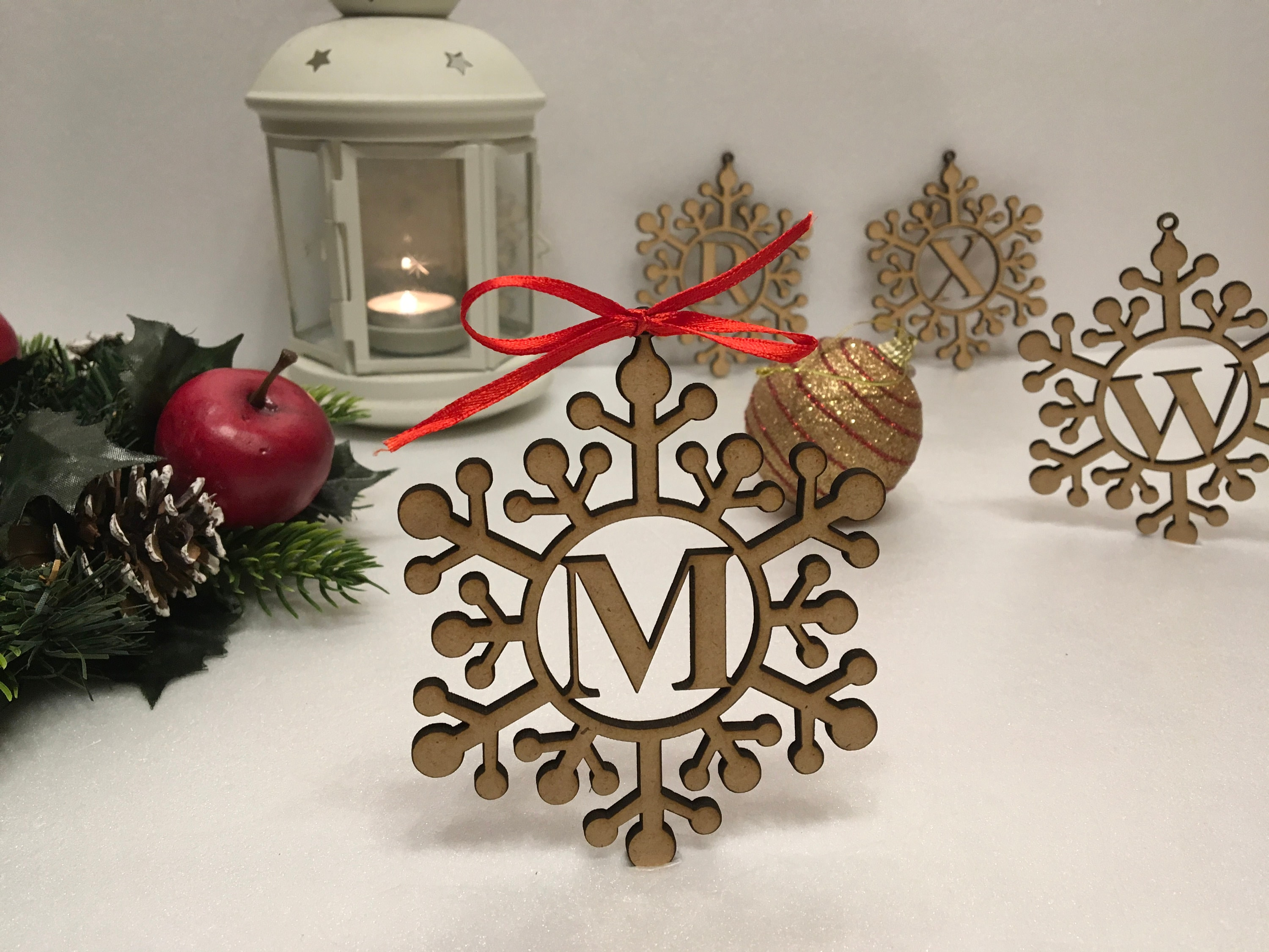 Laser Cut Christmas Ornaments Custom Name Snowflake Ornament Set of Personalized Wooden Snowflake Ornaments 5 Inches Wood Christmas Decoration