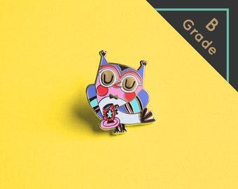 B-GRADE pin 'Owl with teacup' - Hard enamel pin (blue edition)
