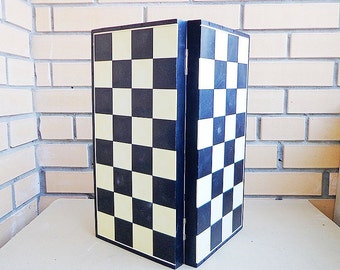 Vintage karbolit chess board USSR (read description)