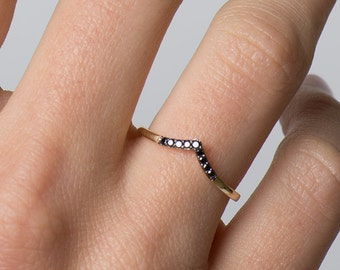 Chevron Ring, 14K Yellow Gold Ring, Stackable Ring, Black Diamonds Band, V Shaped Ring, Dainty Ring, Gold And Diamond Band, Wedding Band