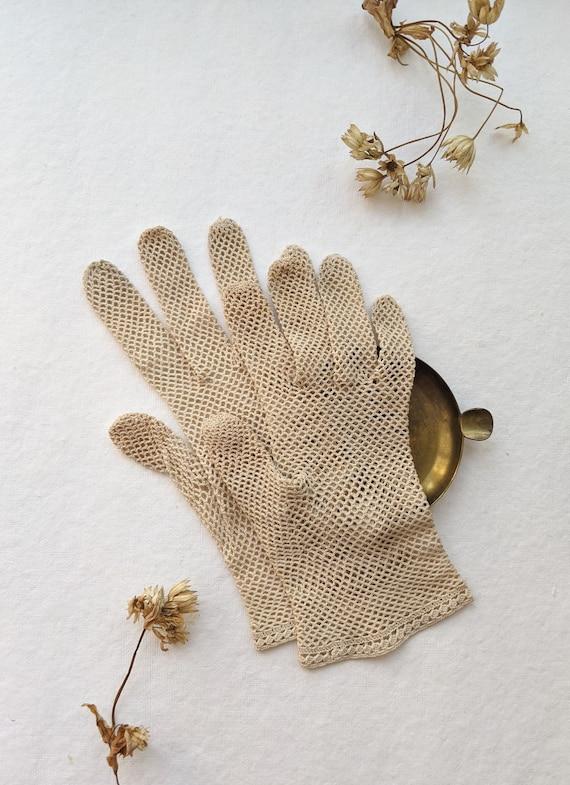 Antique beige crochet Gloves. Small crochet mesh G