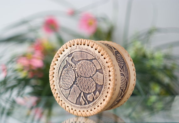 Handmade from birch bark. LADOGA jewelry box
