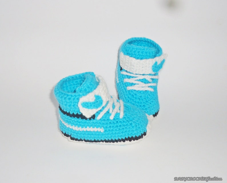 4ff4100572e2 Blue Baby shoes Walking Baby Shoes Crib Shoes Infant