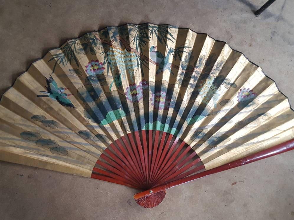 Oriental Gold Hand Painted Wall Decor Folding Fan, Asian Wall Art, Bamboo  Folding Fan, Wall Art, Home Decor / Large Fan