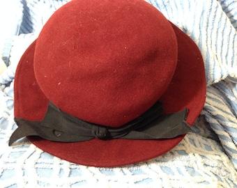 3fd5b7328dc824 Wine Burgundy Cranberry Felted 100% Wool Woman's Fedora Black Ribbon 22 in  inside brim