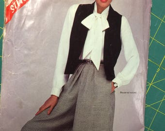Size 8 Unworn Vintage Handmade Summer Outfit NOS Alphabet Skorts Outfit Girls Culottes and Vest Set
