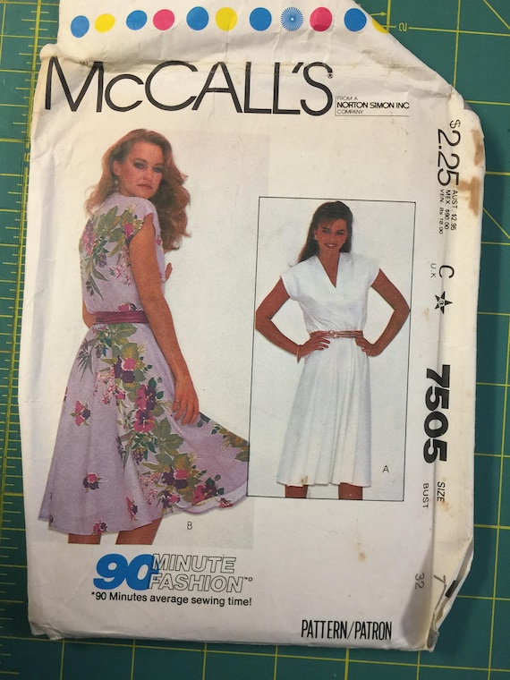 Miss 7 Junior Petite DRESS Easy Sewing Pattern. McCalls 7505  bcc33cb16