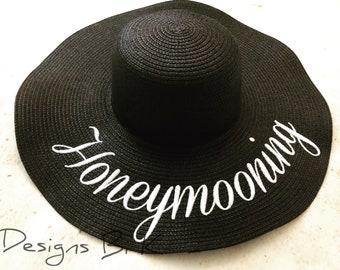 Honeymooning beach hat, Embroidered honeymoon floppy beach sun hat, Newlywed gift, Honeymoon gift